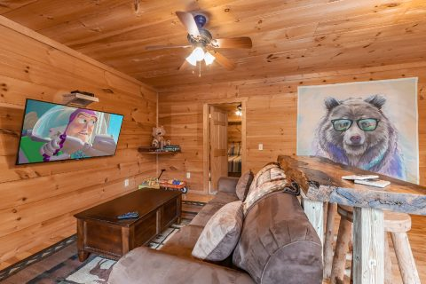 3 Bedroom Cabin with Arcade - bearHAVEN