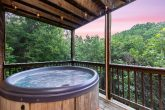 Luxury 3 Bedroom Cabin with Hot Tub and View