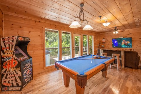 Downstairs Game Room with Arcade and Pool Table - bearHAVEN