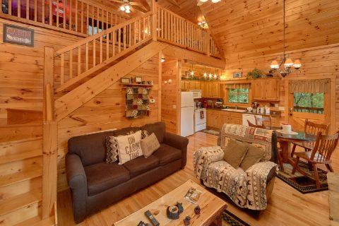 1 Bedroom Cabin Sleeps 6 - Bear'ly Makin' It