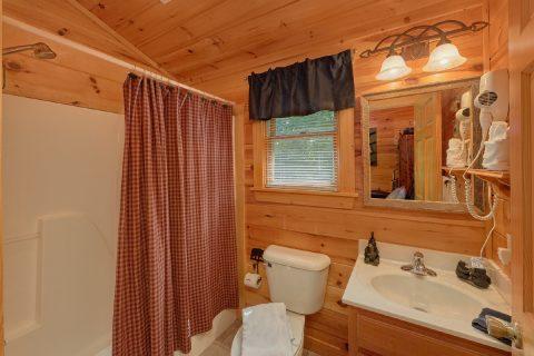 Full 2nd Bath Room In Loft - Bear'ly Makin' It