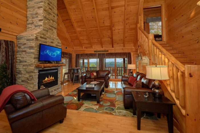 Luxury 4 Bedroom Cabin with LCD TV and Fireplace - Bearly Rustic