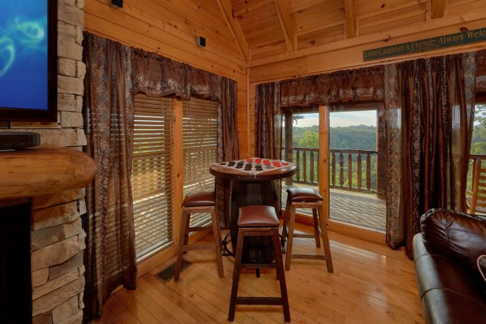 Smoky Mountain Luxury Cabin with Game Table - Bearly Rustic