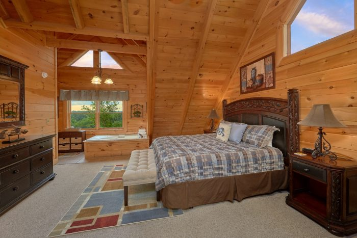 ... Pigeon Forge 4 Bedroom Cabin With King Bed   Bearly Rustic ...
