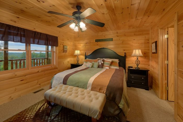 4 Bedroom Cabin with 4 King Master Suites - Bearly Rustic