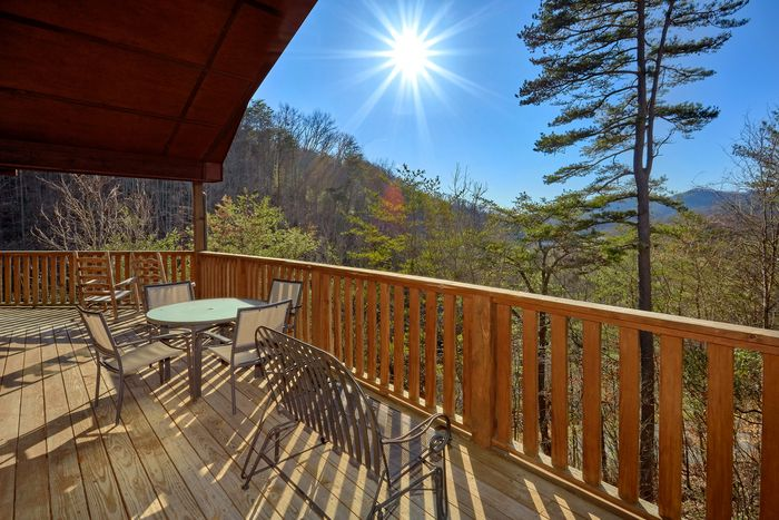 Bears and Beyond Cabin Rental Photo