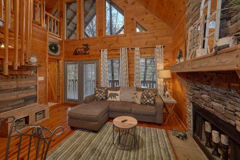 2 Bedroom 2 Bath Cabin Sleeps 9 - Bears Hideaway