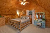 Large Open Loft with Extra Sleeping Sleeps 9