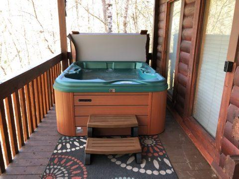 Private Hot Tub Bears Hideaway - Bears Hideaway