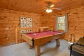Spacious 2 Bedroom Cabin with Pool Table