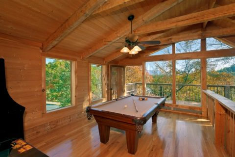2 Bedroom Cabin with Pool Table and Game Room - Bearway To Heaven
