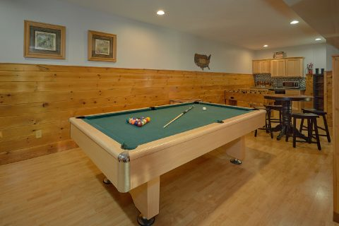 Beautiful Smoky Mountain Cabin with Pool Table - Beckham's Bungalow