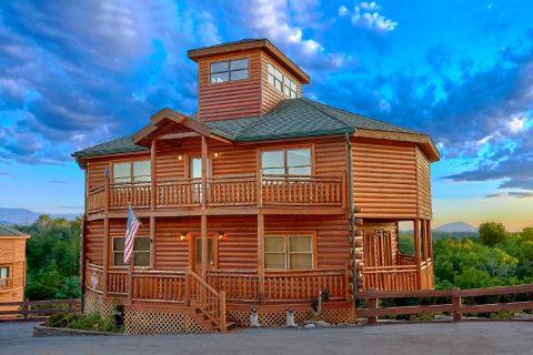 Luxury 3 Bedroom Cabin Close to Douglas Lake - Best Little Pool House In The Smokies