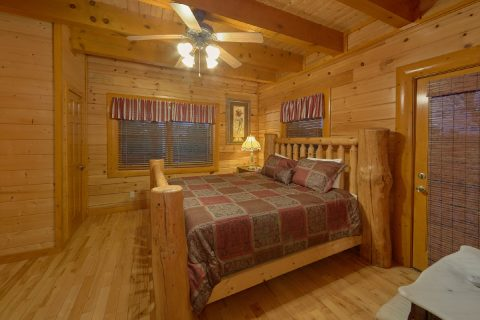 King Bedroom with Flatscreen TV - Best Little Pool House In The Smokies