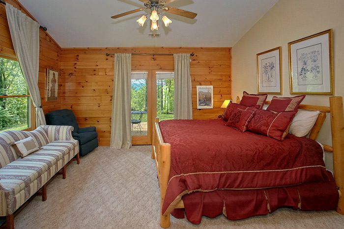 Rustic 3 Bedroom Cabin with Large King Bedroom - Big Bear
