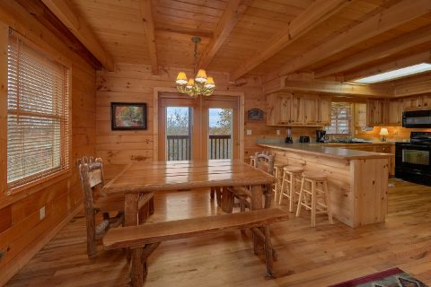 5 Bedroom Cabin Near Pigeon Forge with WiFi - Big Bear Lodge
