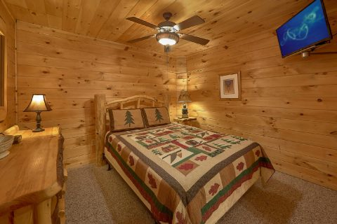 5 Bedroom Cabin with Queen Bed and TV - Big Bear Lodge