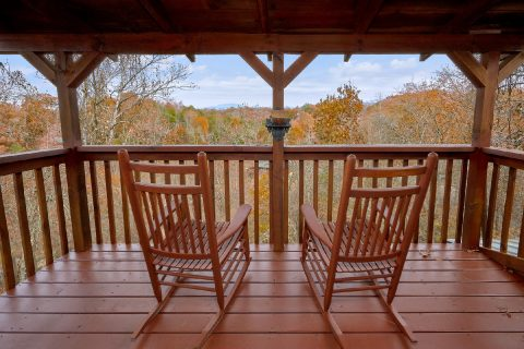 Pigeon Forge Cabin with Rocking Chairs Sleeps 12 - Big Bear Lodge