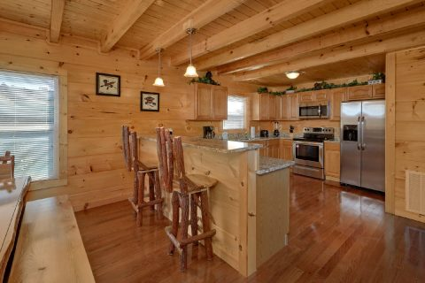 5 Bedroom Cabin in Bear Cove Falls - Big Mack Lodge