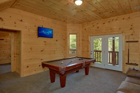 Game Room with Pool Table 5 Bedroom Cabin - Big Mack Lodge