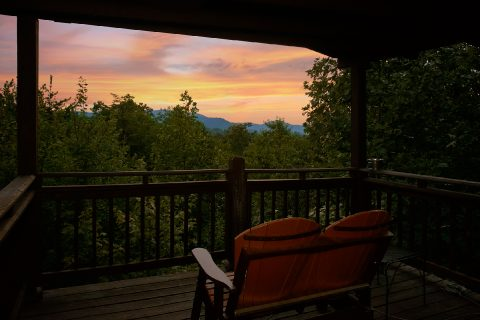 2 Bedrom Cabin with Smoky Mountain Views - Big Sky View