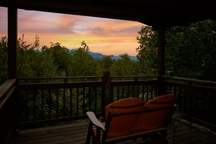2 Bedrom Cabin with Smoky Mountain Views - Big Sky View