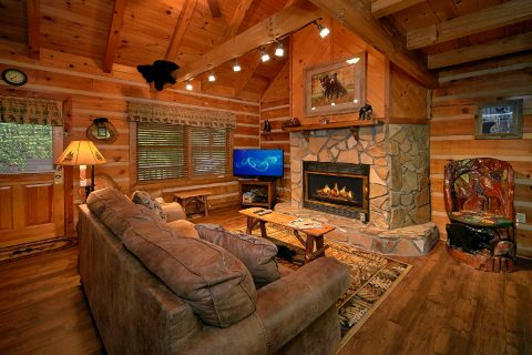 Sky Harbor Cabin with Furnished Living Room - Big Sky View