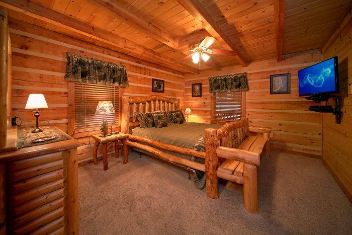 Master King Suite on Main Level - Big Sky View