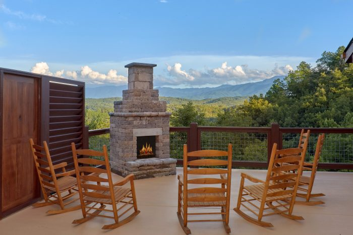 Outdoor Fireplace with Spectacular Views - Big Vista Lodge