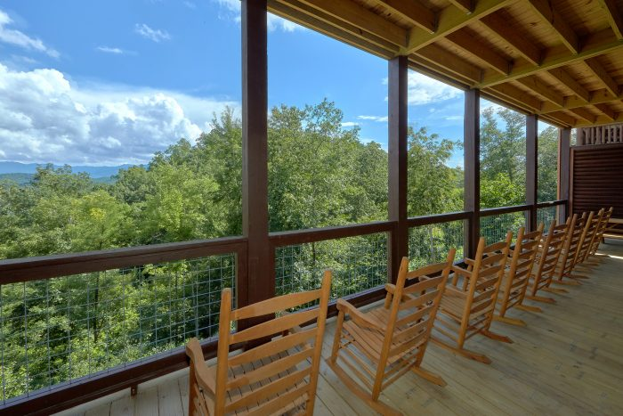 Comfortable Rocking Chairs with Spectacular View - Big Vista Lodge
