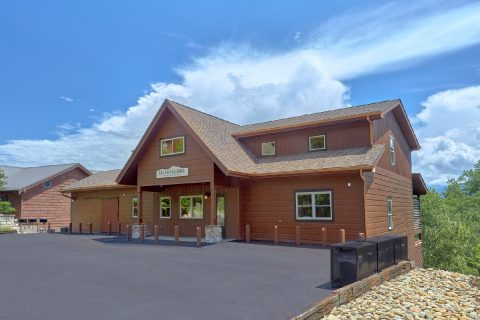 16 Bedroom Sleeps 66 Bus Parking - Big Vista Lodge