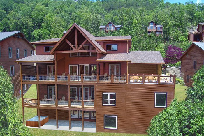 16 Bedroom 4 Story Cabin Sleeps 66 - Big Vista Lodge
