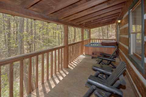 Covered Deck with Rocking Chairs 4 Bedroom - Black Bear