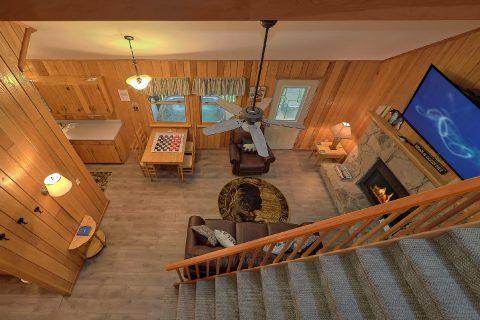 Rustic 2 bedroom Cabin Sleeps 8 - Black Bear Hideaway