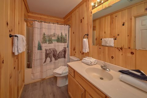 Cozy Cottage in the Woods - Black Bear Hideaway