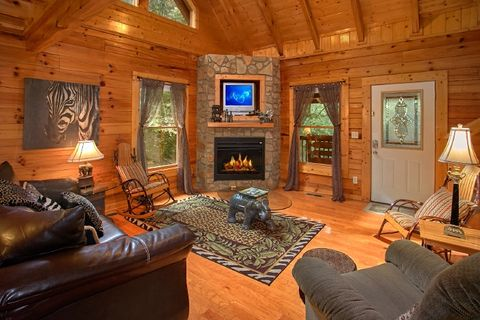 2 Bedroom Cabin with Fireplace and Sleeper Sofa - Blackberry Inn