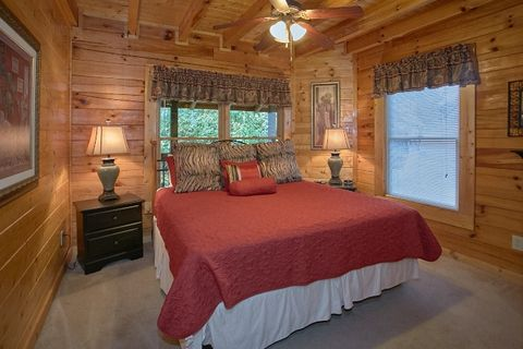 Resort Cabin with 2 King Bedrooms and Jacuzzi - Blackberry Inn