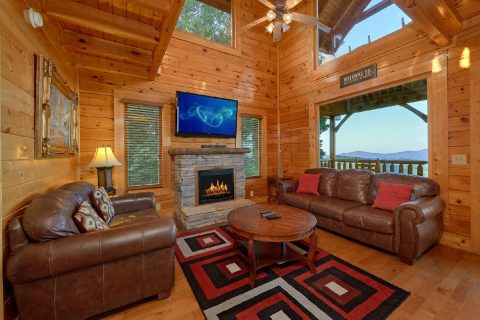 3 Bedroom Cabin with Big Screen TV and Fireplace - Blue Sky