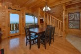 Spacious 3 Bedroom Cabin with Dining Table