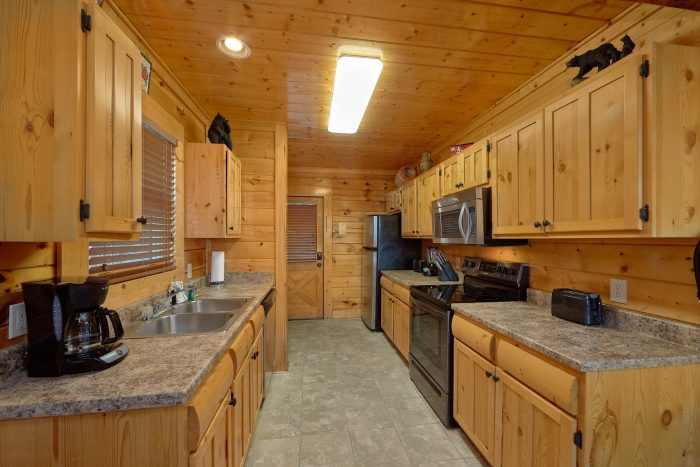 Luxury 3 Bedroom Cabin with Full KItchen - Blue Sky