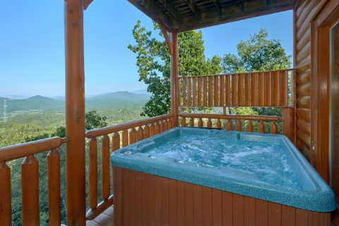 Luxury 3 Bedroom Cabin with Hot Tub and View - Blue Sky
