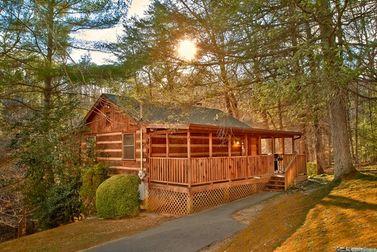 hidden mountain cabin rentals near pigeon forge rh cabinsusa com hidden mountain cabin 5149 hidden mountain cottages phippsburg maine