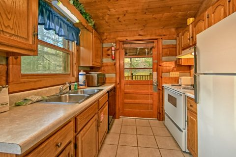 Cabin with Dishwasher and full kitchen - Bluff Haven