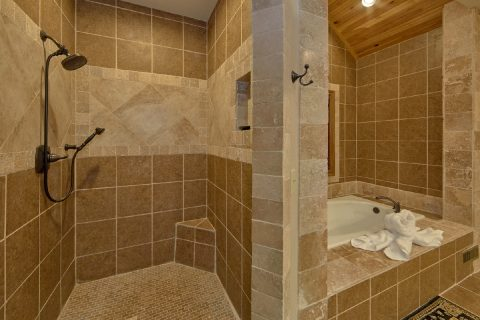 Luxurious Private Bathroom in King Suite - Bluff Mountain Lodge