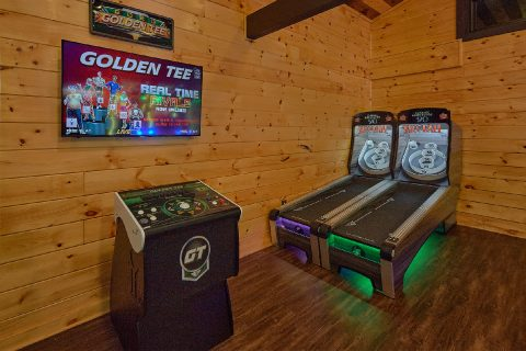 Cabin with Golden Tee Arcade and Skee Ball Games - Bluff Mountain Lodge