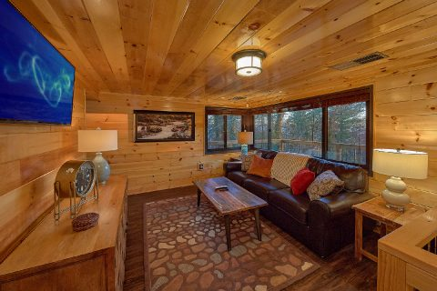 Cozy Living room in 5 bedroom cabin rental - Bluff Mountain Lodge