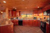 Luxurious Kitchen in 5 Bedroom Cabin