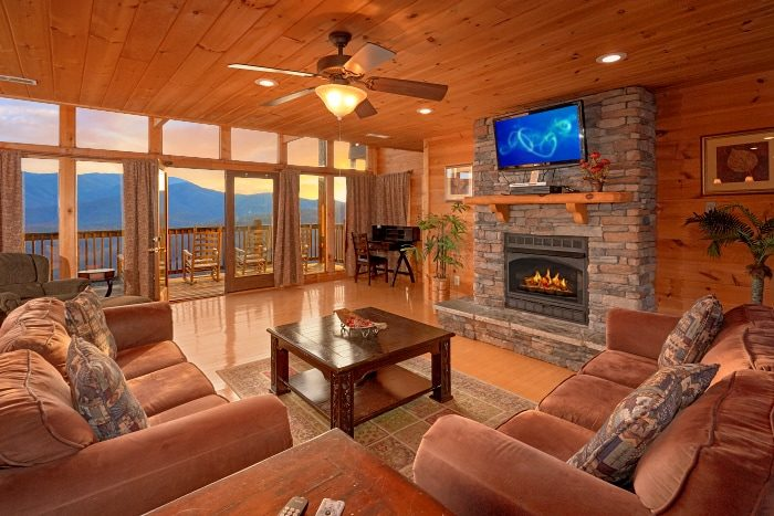 Spacious Living Room with Fireplace and Views - Breathtaker