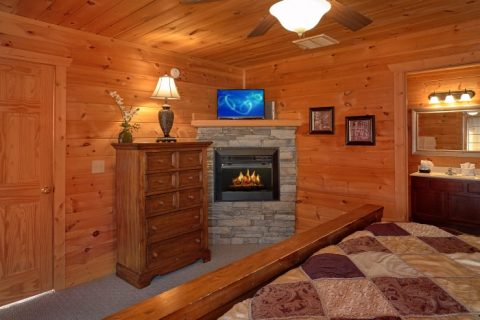 Private King Bedroom with Bathroom and Fireplace - Breathtaker