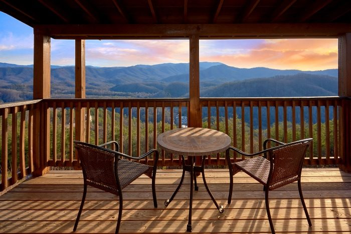 Premium Cabin with Views of the Mountains - Breathtaker